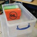 Boîte plastique translucide à couvercle et poignées, contenance 64L (dim. utiles l605 x p370 x h280mm)