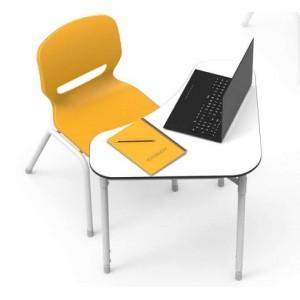 Table individuelle triangulaire ambidextre modulable pour multiples types d'aménagements